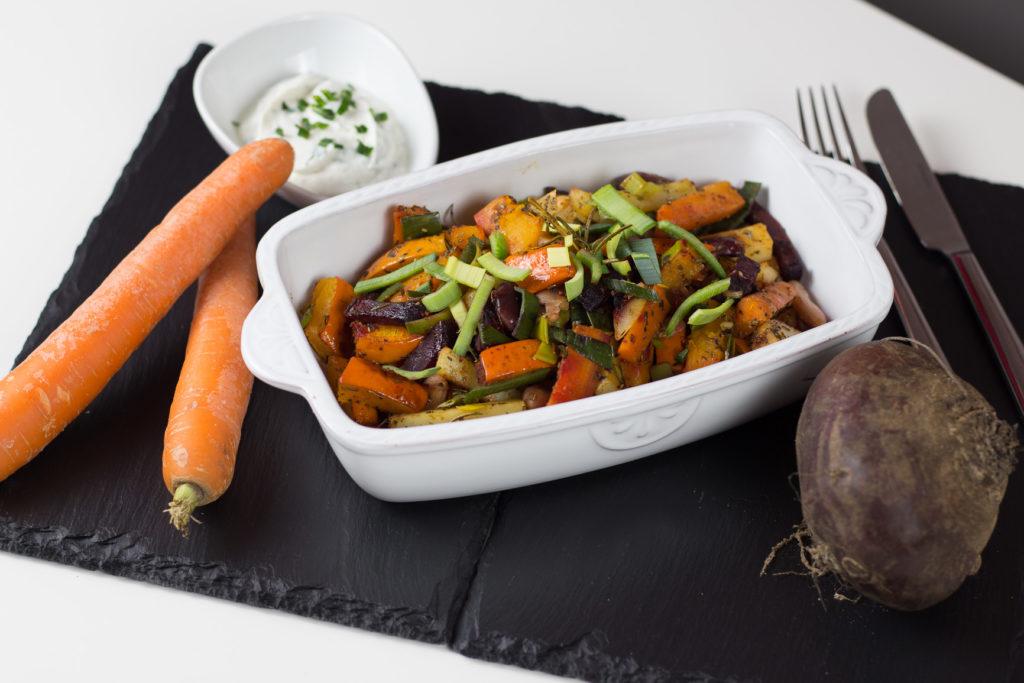 Kürbis-Ofengemüse mit Kartoffeln und Wurzelgemüse 3