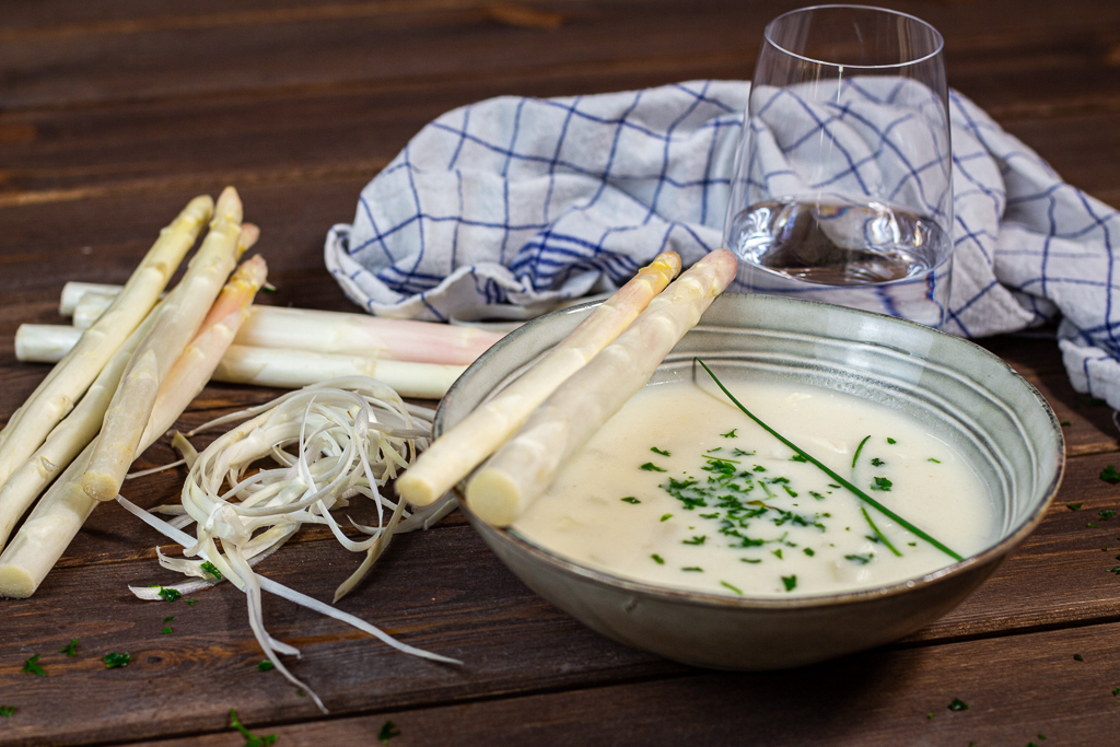 Spargelcreme-Suppe vegan