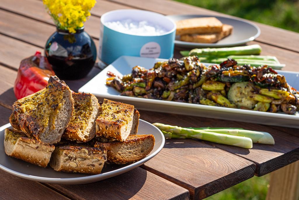 veganes Grillgemüse mit Kräuterbaguette