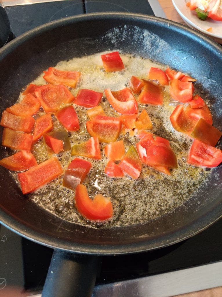 Paprika in einer Pfanne