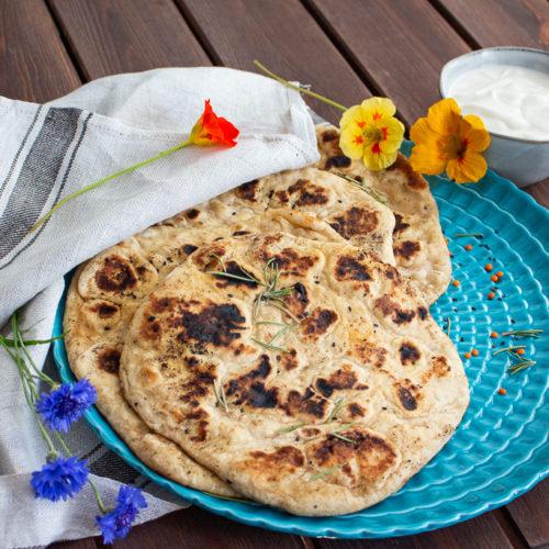 Fluffiges veganes Naan in 2 Minuten aus der Pfanne 4