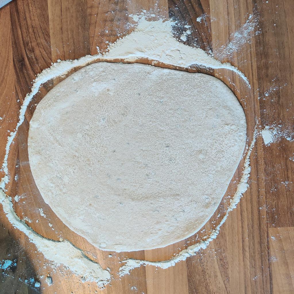 Fluffiges veganes Naan in 2 Minuten aus der Pfanne 3