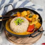 Rotes Thai Curry mit Gemüse und Natur-Tofu