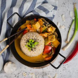Rotes Thai Curry mit Gemüse und Natur-Tofu 1
