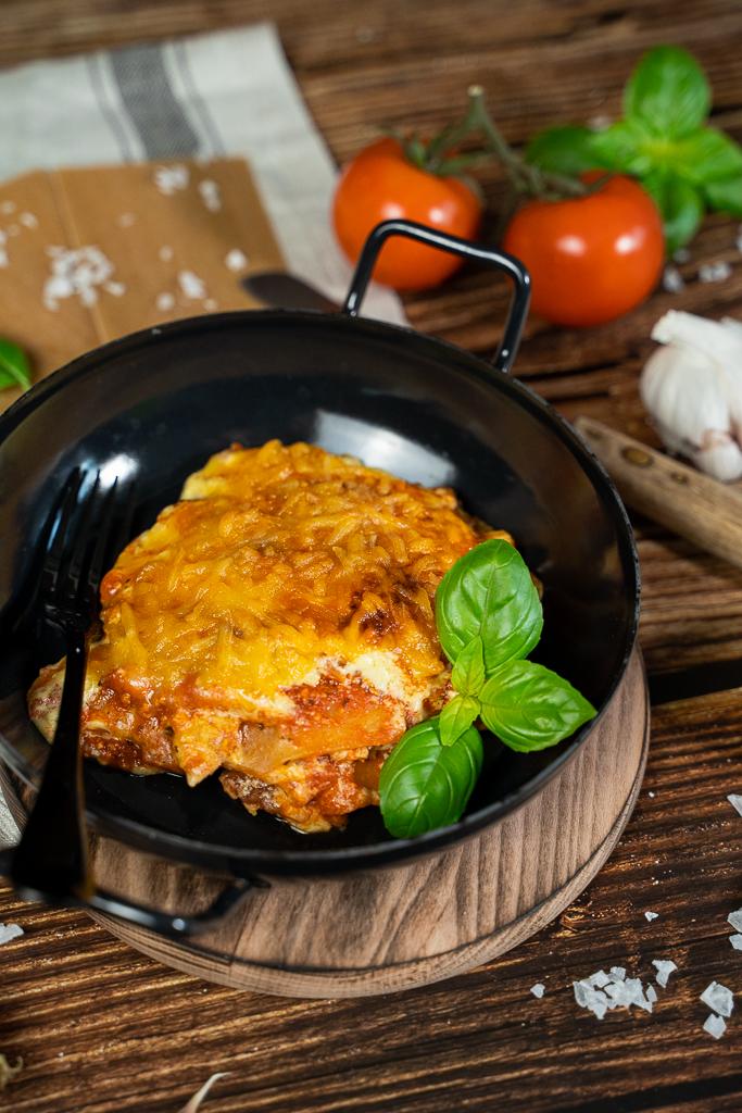 Sie bildet das kernige Element einer leckeren Lasagne: Die vegane Hackfleischsoße
